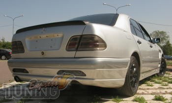 Аэродинамический спойлер на багажник Mercedes W210 седан (устано