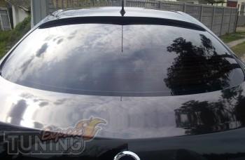 Купить заднюю накладку на стекло для Nissan Primera P12 седан