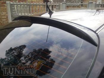 Установка заднего аэродинамического спойлера на стекло Nissan Pr