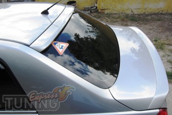 Спойлер накладка на заднее стекло Ниссан Тиида (в кузове седан)