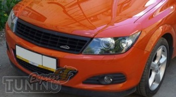 Декоративные реснички на фары Opel Astra H GTS