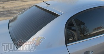 Фирменный задний спойлер накладка на заднее стекло Opel Vectra C