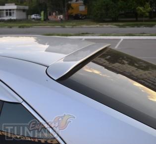 Установка заднего козырька на стекло Тойота Камри 40 (фото Экспр