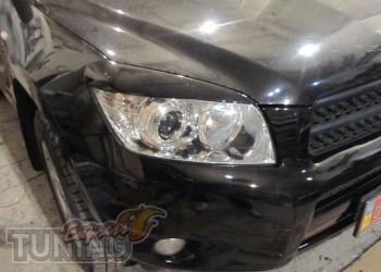 Купить реснички на фары Toyota Rav4 (передние накладки на фары Т