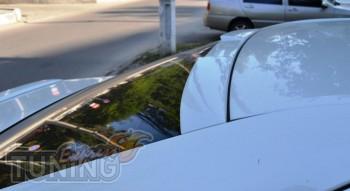 Оригинальный спойлер на стекло Toyota Camry V50 (фото ExpressTun