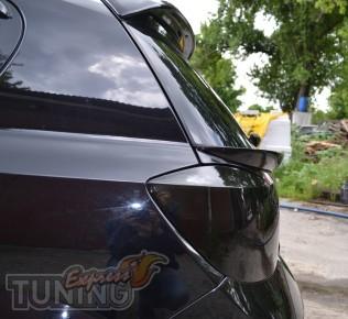 Спойлер под стекло Opel Astra H (накладка под заднюю дверь Астра