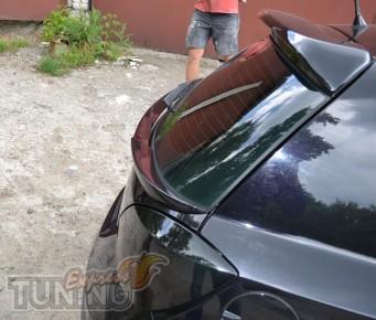 Фото накладки спойлера под заднюю дверь Астра Н (спойлер Opel As