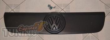 Купить накладку на решетку радиатора Фольксваген Транспортер Т5