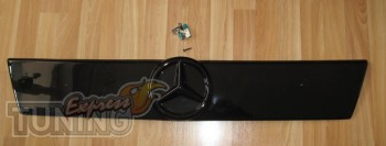 Оригинальная заглушка на решетку радиатора Mercedes Vito 638 Fly